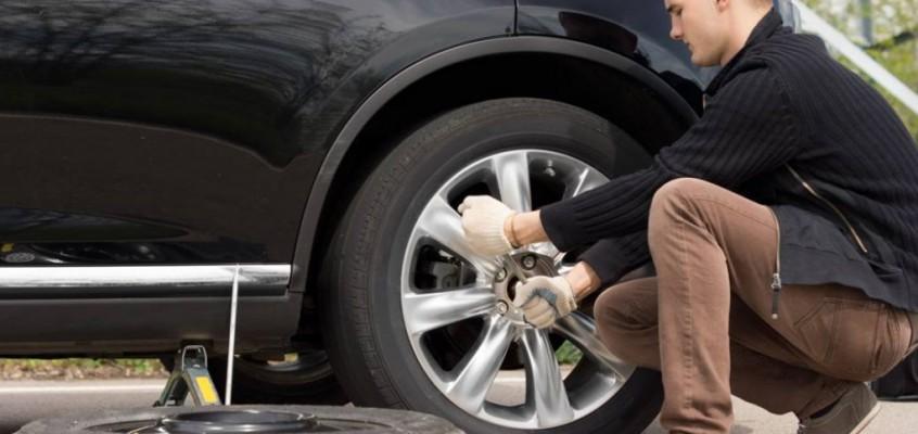 Cómo cambiar una rueda del coche.